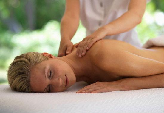 Quali Sono i Benefici del Massaggio Ayurvedico?